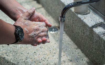 Un adoucisseur d'eau prend soin de votre peau