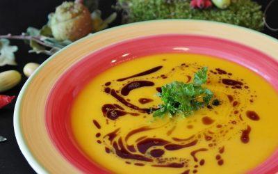Art de la table : plutôt bol ou assiette à soupe ?