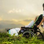 4 matériels de santé indispensables pour l'autonomie des seniors sur Prends en soin