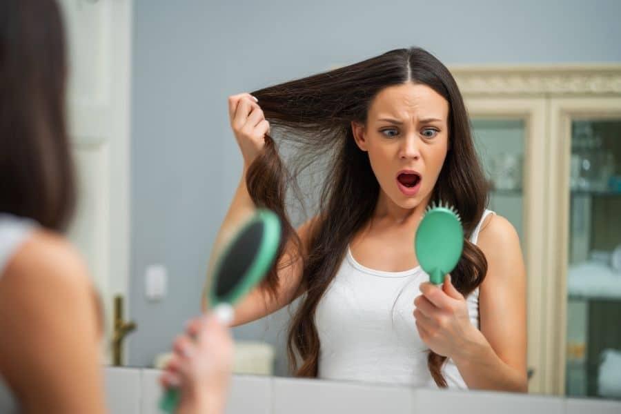 Perte de cheveux : comment réagir ?