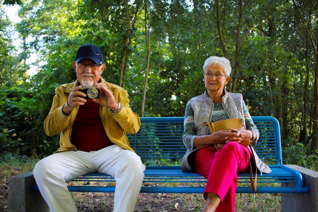 Vous souhaitez remercier votre papi et votre mamie pour leur amour ? Tour d'horizon sur quelques idées cadeaux à offrir à ses grands-parents !