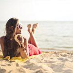 Même si vous utilisez une crème de protection solaire, il est important de soigner votre peau après une exposition au soleil. Voici comment :
