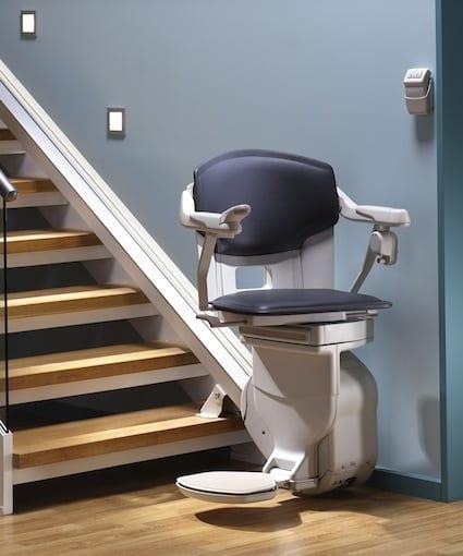 Pourquoi acheter un monte escalier Thyssenkrupp ? sur Prends en soin
