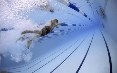 Prévenir les blessures quand on nage beaucoup